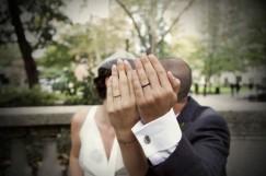 alianza-tatuada-anillos-boda-novios